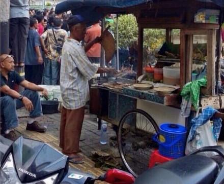 Satay Vendor Jakarta Sarinah Terrorist